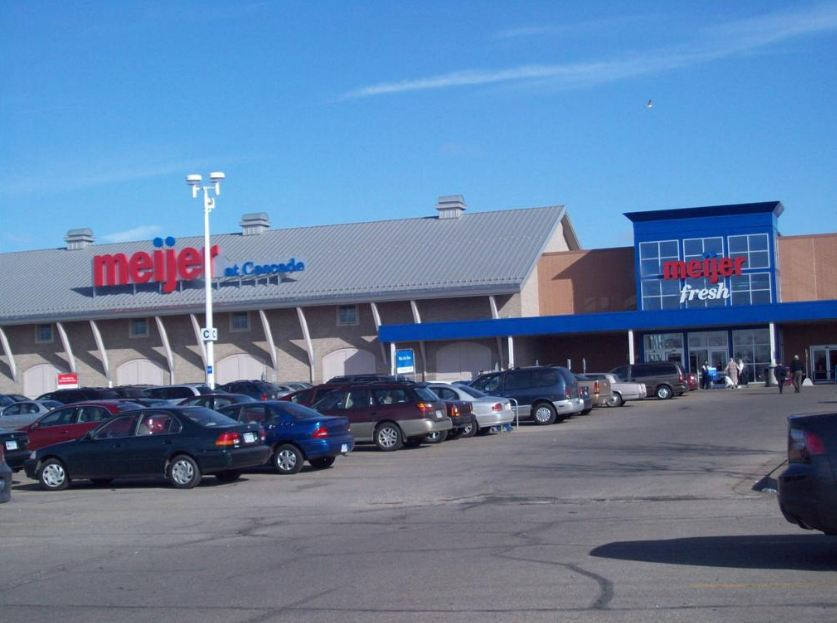 meijer store photos. Meijer Holiday Hours 2017 Opening Closing   Near Me