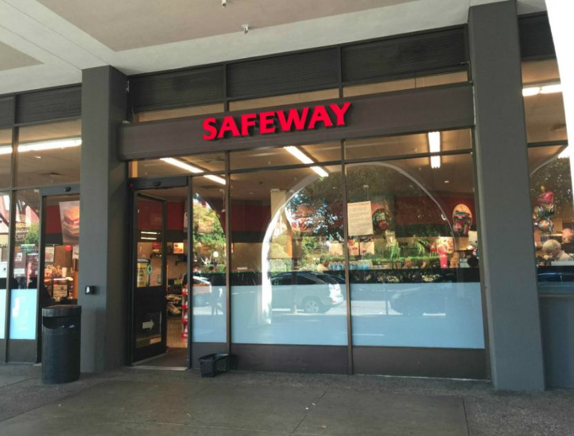 Safeway Hours photo