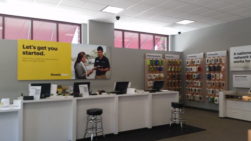 sprint store images